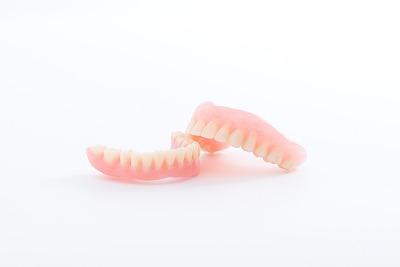 レジン床(保険の入れ歯)