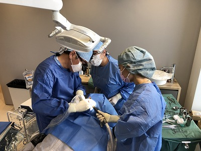 Bio Dental Clinic ASHIYAではチーム医療によるインプラント治療を行なっています。